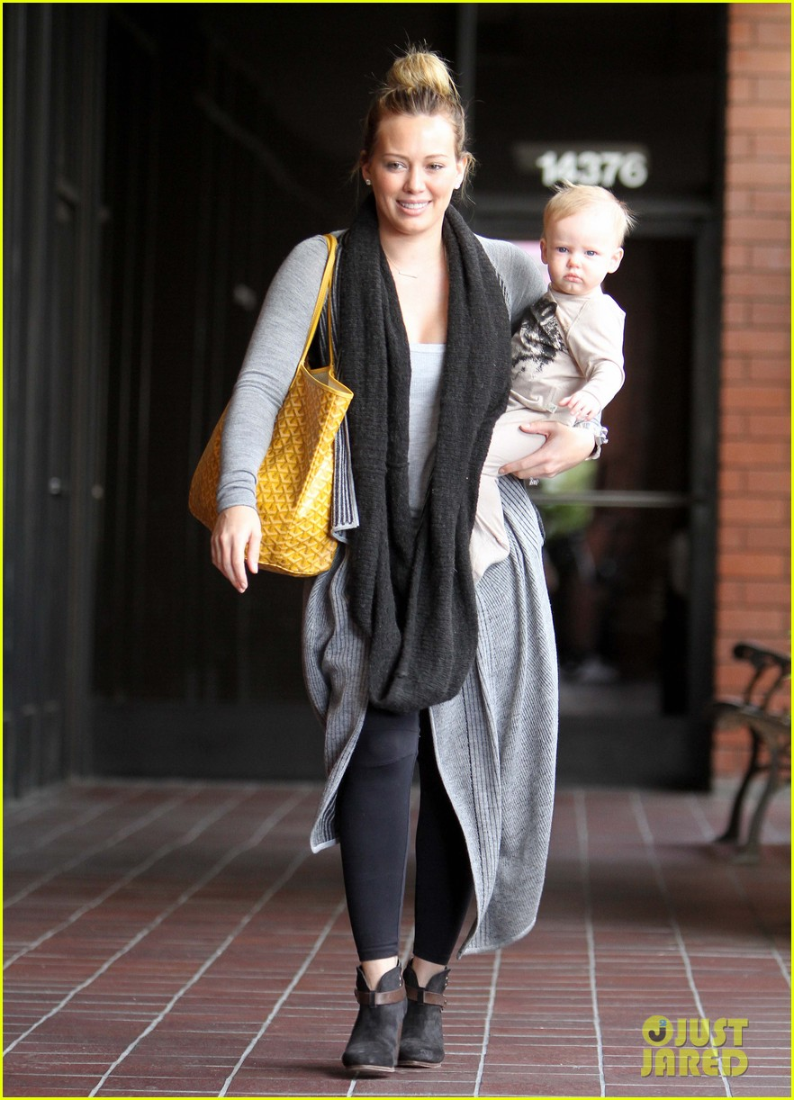 hilary duff harley pasternak fitness mom 012759040