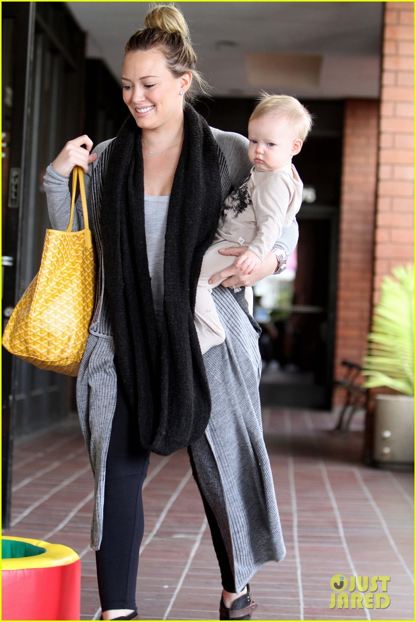 hilary duff harley pasternak fitness mom 02