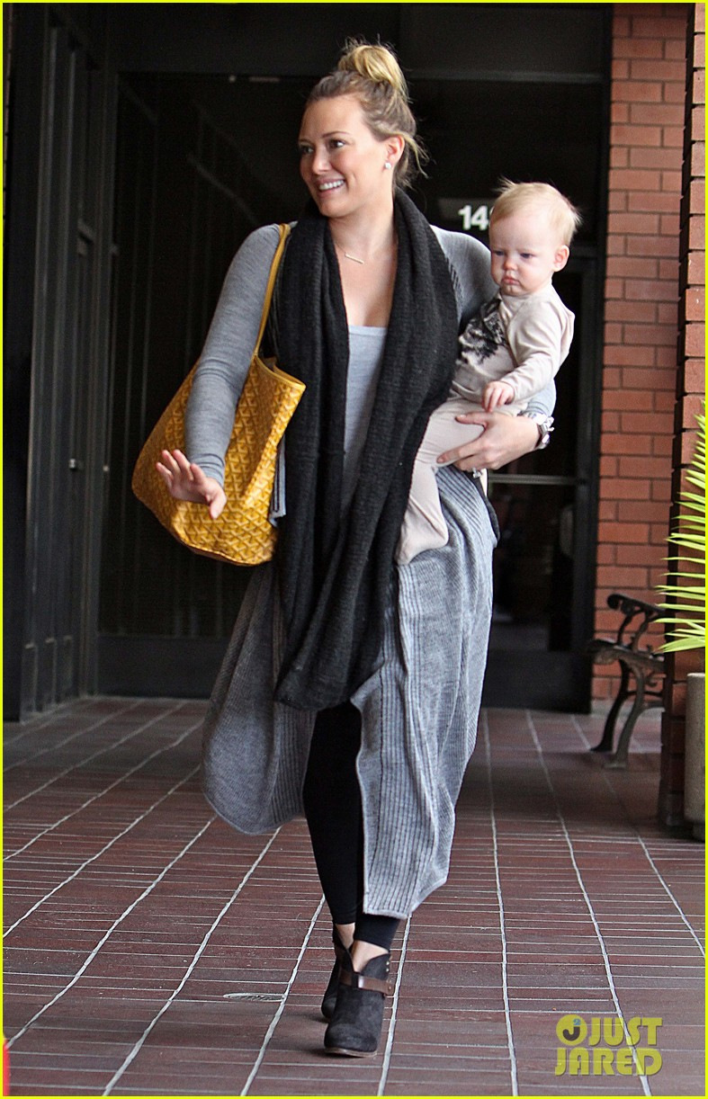 hilary duff harley pasternak fitness mom 032759042