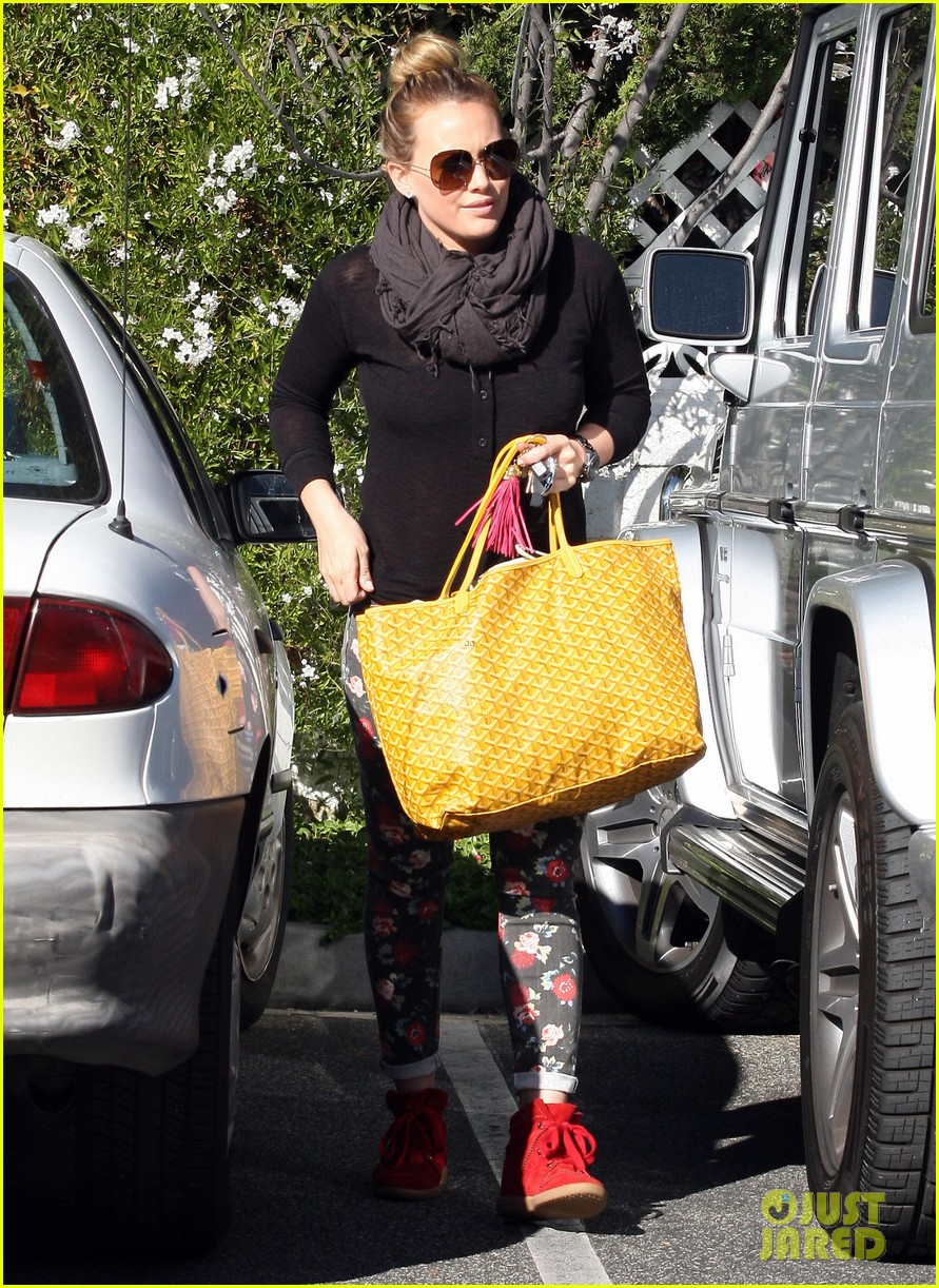 hilary duff bristol farms shopping with luca 012755850