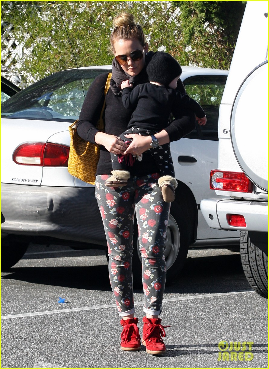 hilary duff bristol farms shopping with luca 062755855