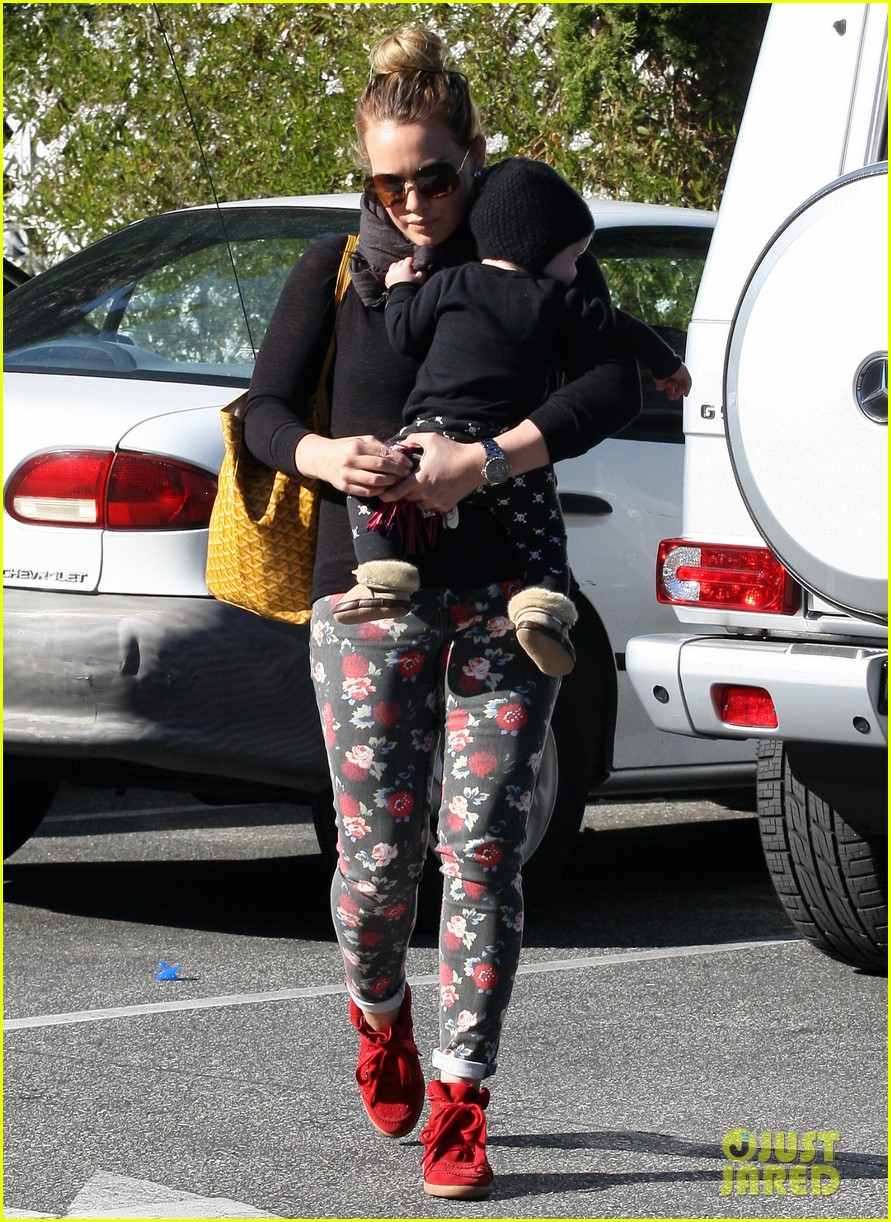 hilary duff bristol farms shopping with luca 072755856