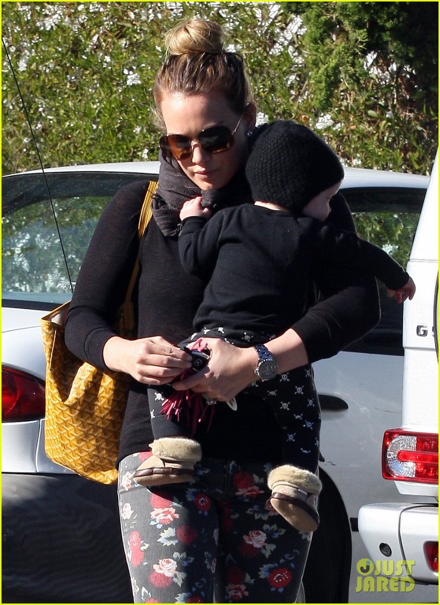 hilary duff bristol farms shopping with luca 082755857