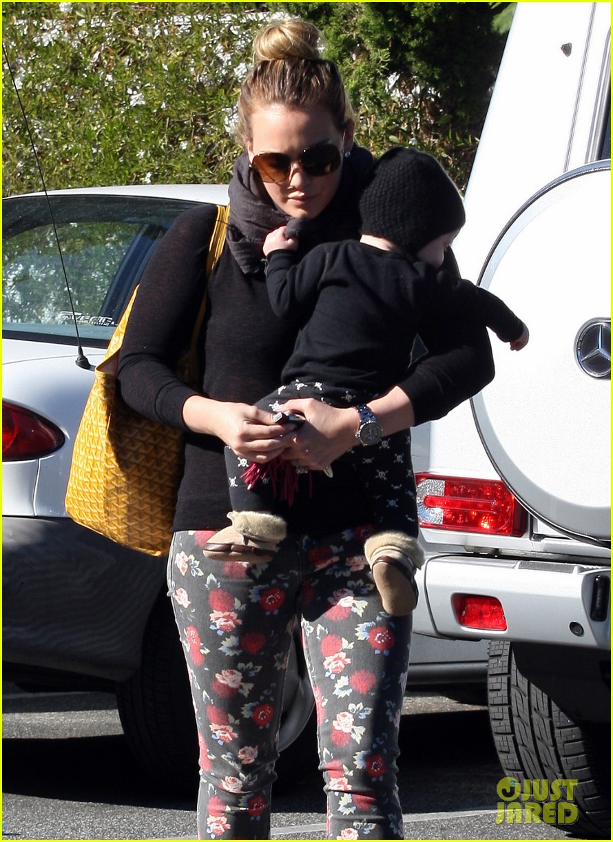 hilary duff bristol farms shopping with luca 102755859