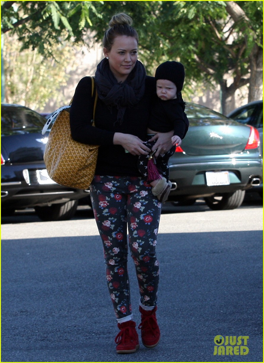 hilary duff bristol farms shopping with luca 202755869