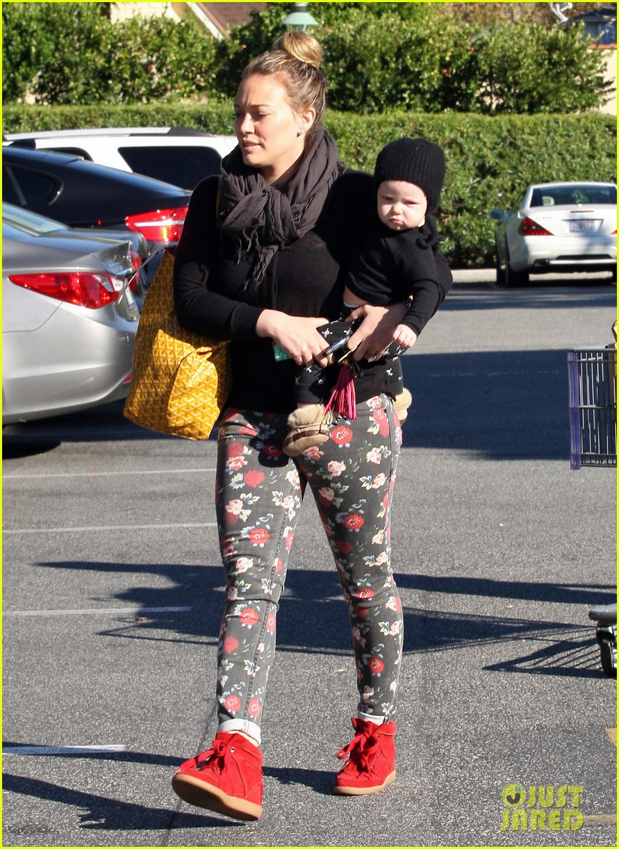 hilary duff bristol farms shopping with luca 222755871