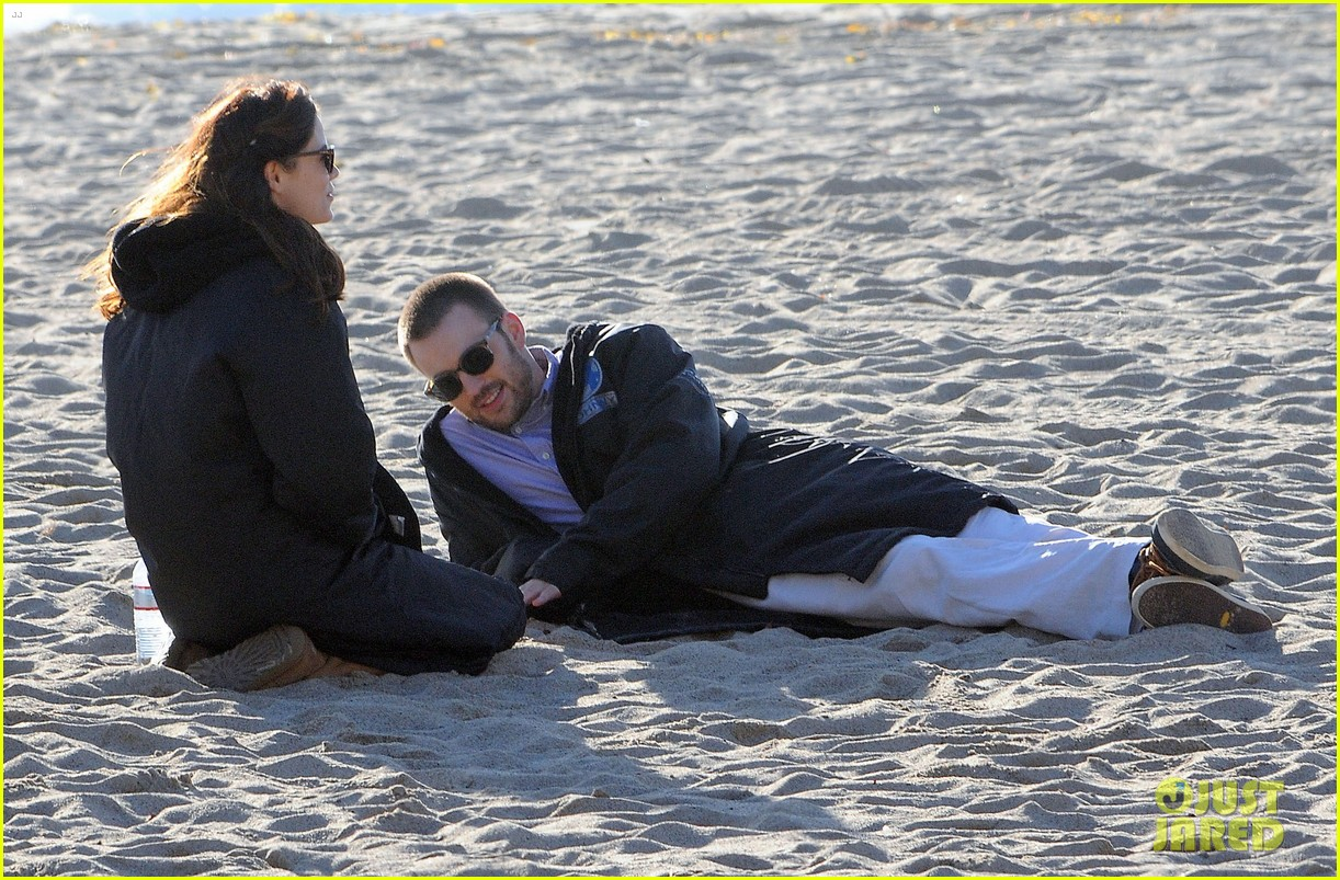 chris evans a many splintered thing beach scenes 102762186