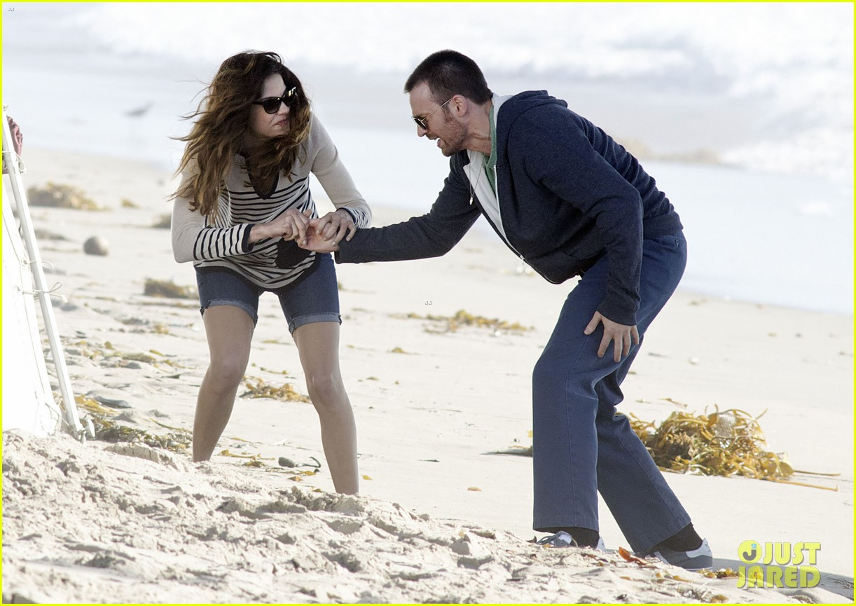 chris evans films splintered thing minka kelly works out 122761551