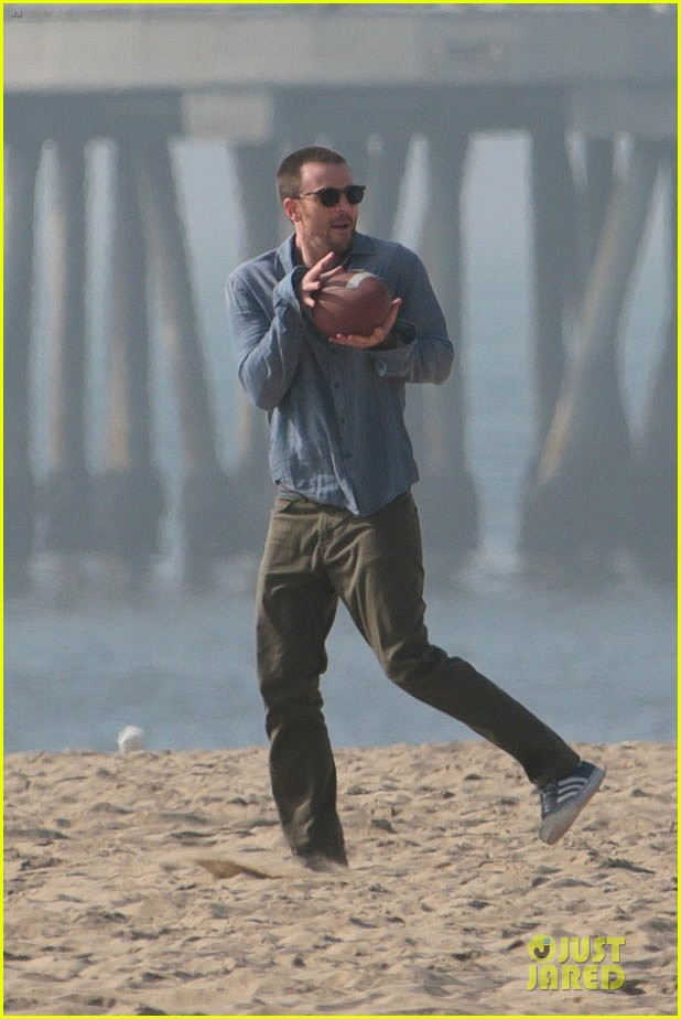 chris evans football on a many splintered thing set 232763940