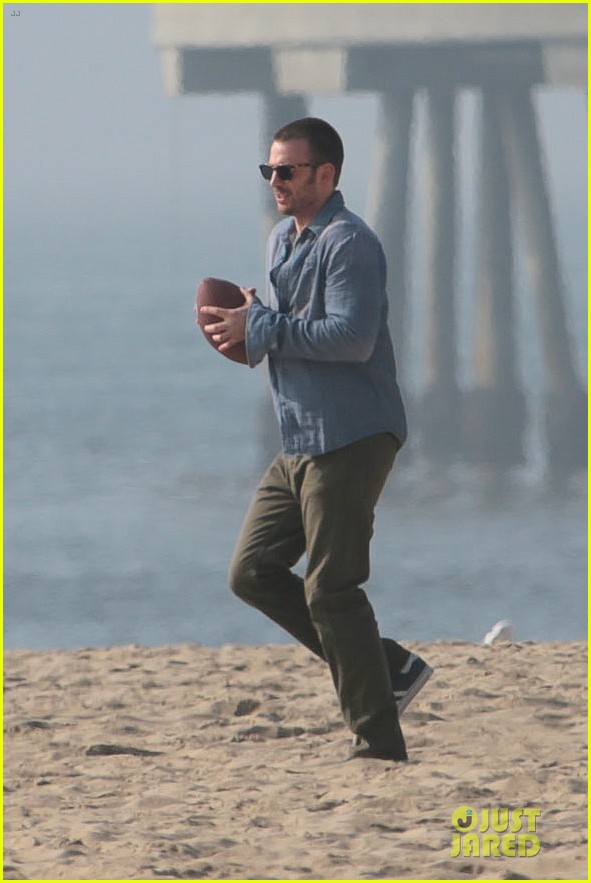 chris evans football on a many splintered thing set 312763948