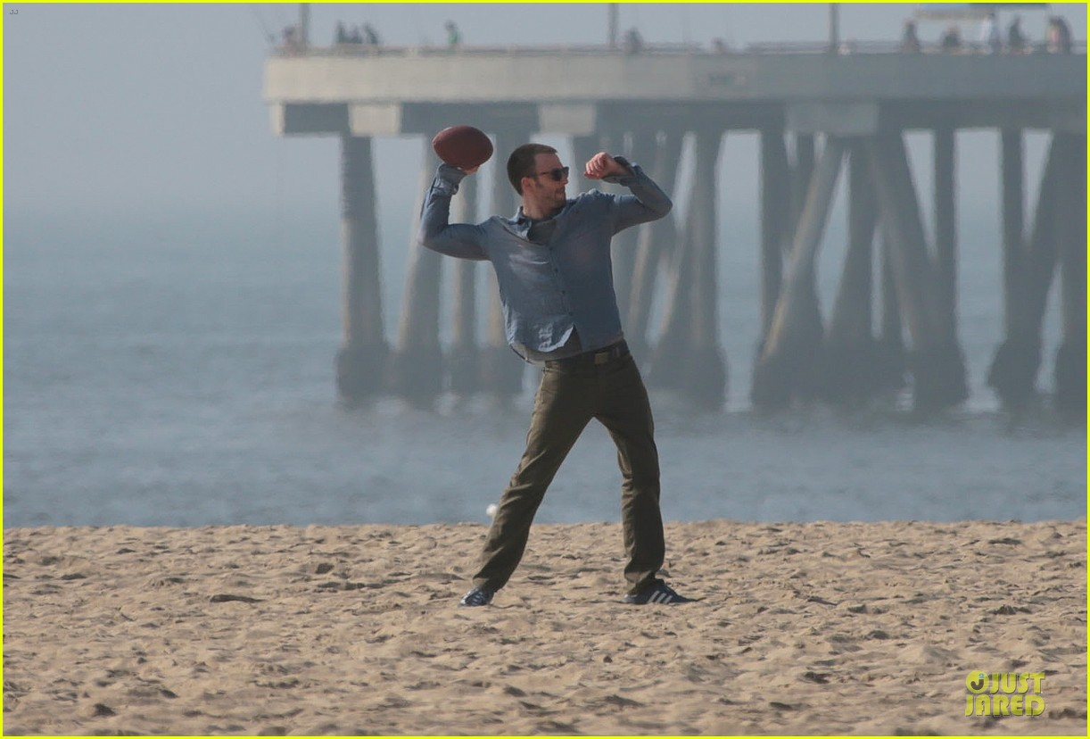 chris evans football on a many splintered thing set 322763949