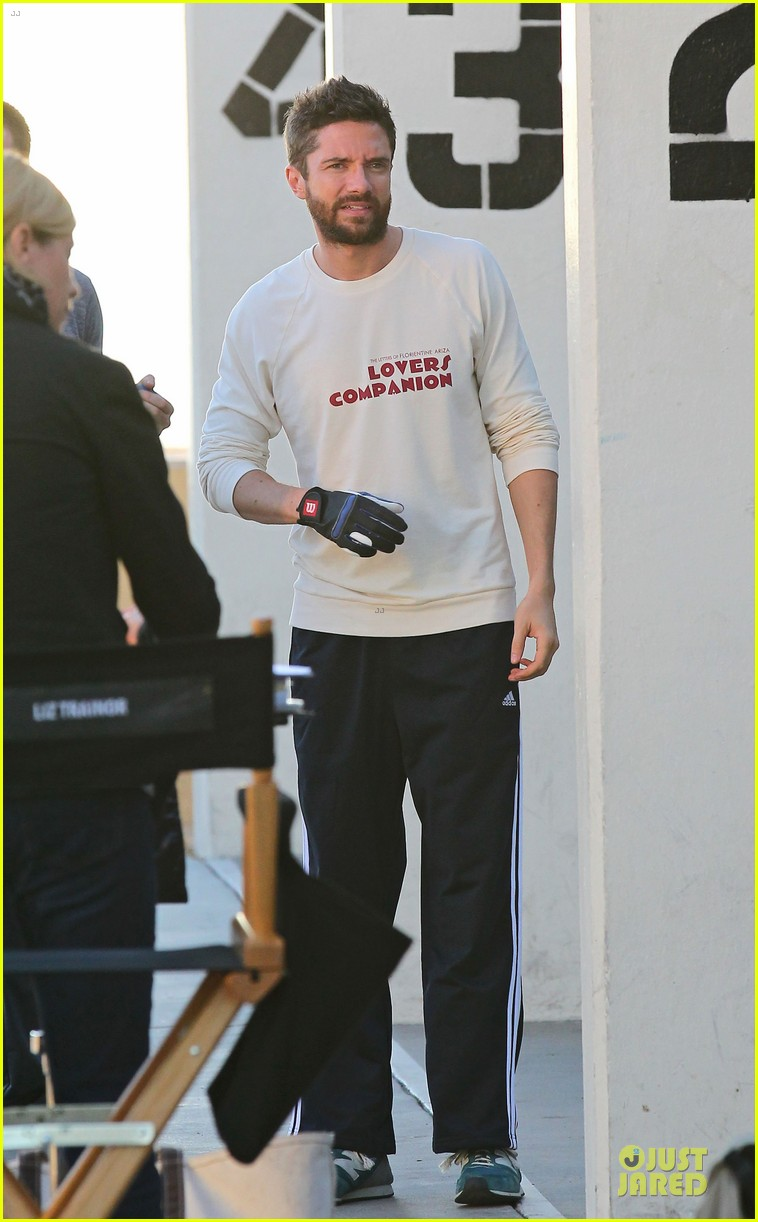 chris evans many splintered thing set with topher grace 032752457