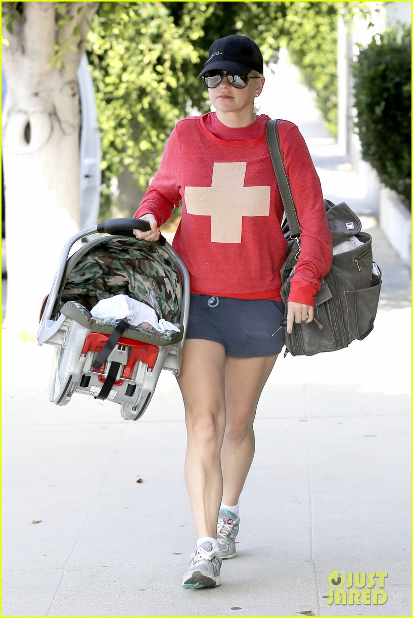 anna faris baby jack check up 122752813