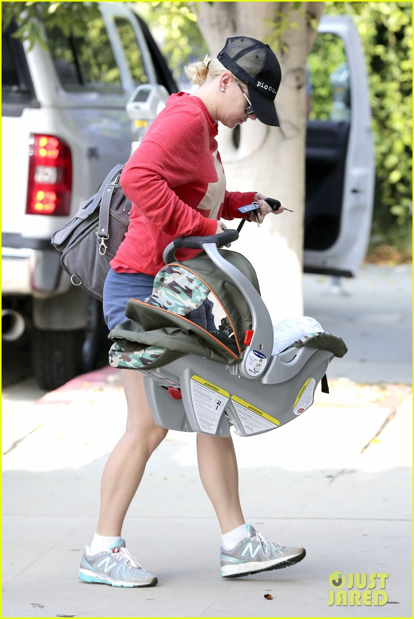 anna faris baby jack check up 16