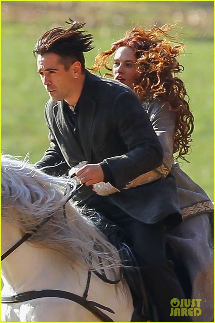 colin farrell horseback riding winters tale 042766420