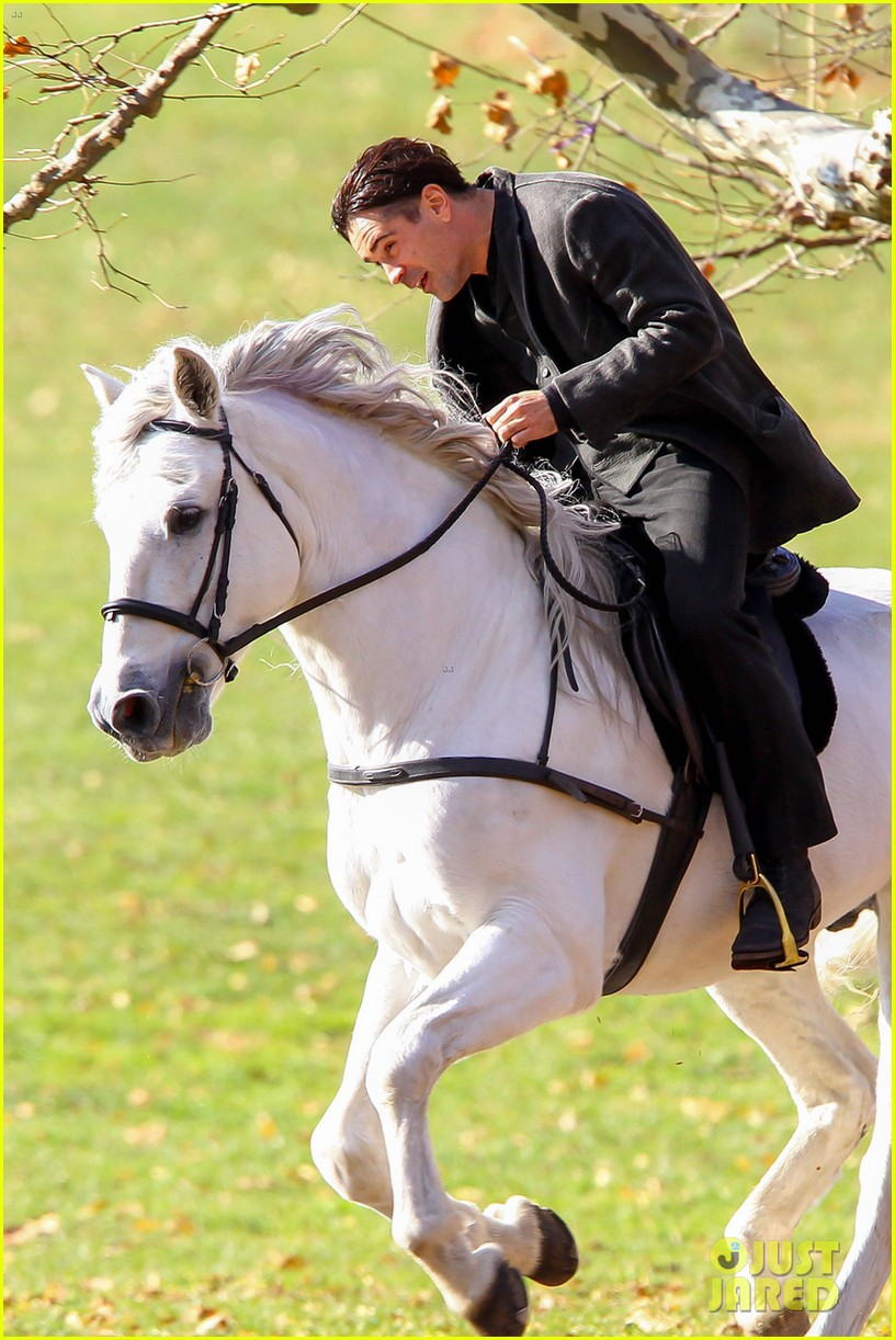 colin farrell horseback riding winters tale 052766421