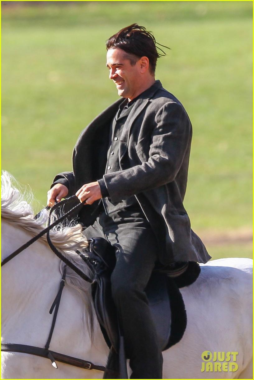 colin farrell horseback riding winters tale 062766422