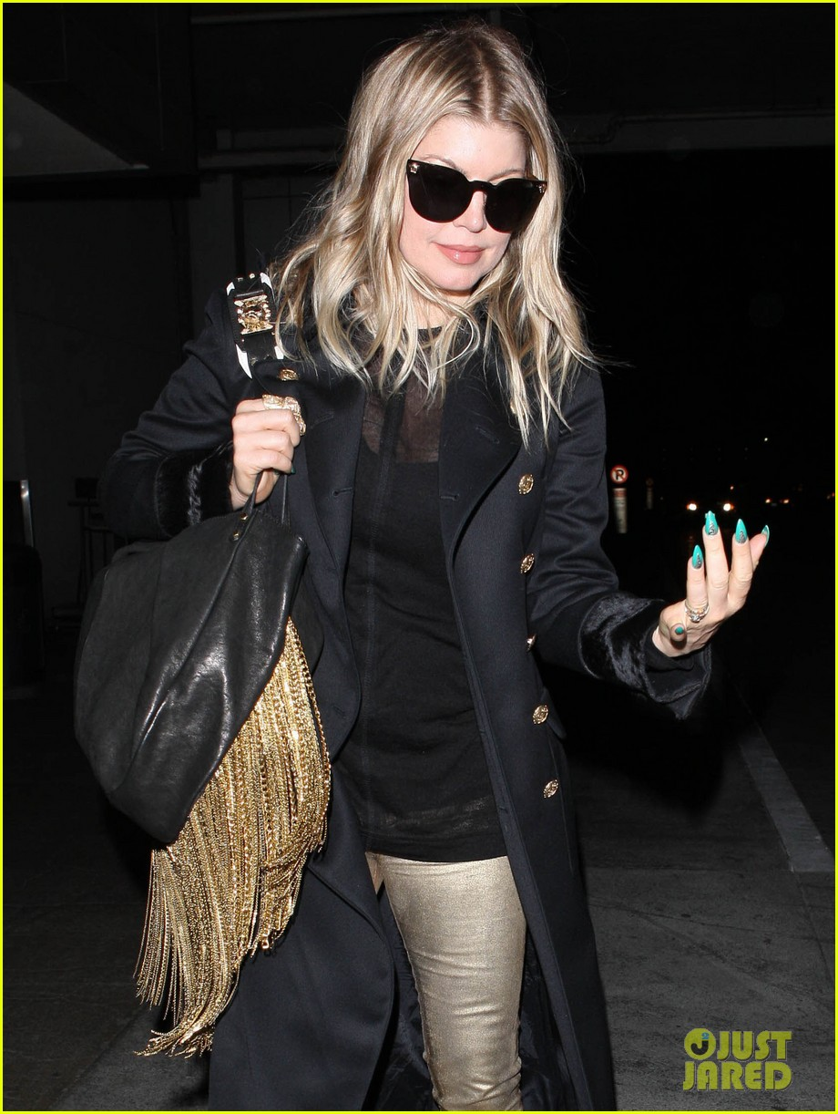 fergie pointy green nails at lax 112749799