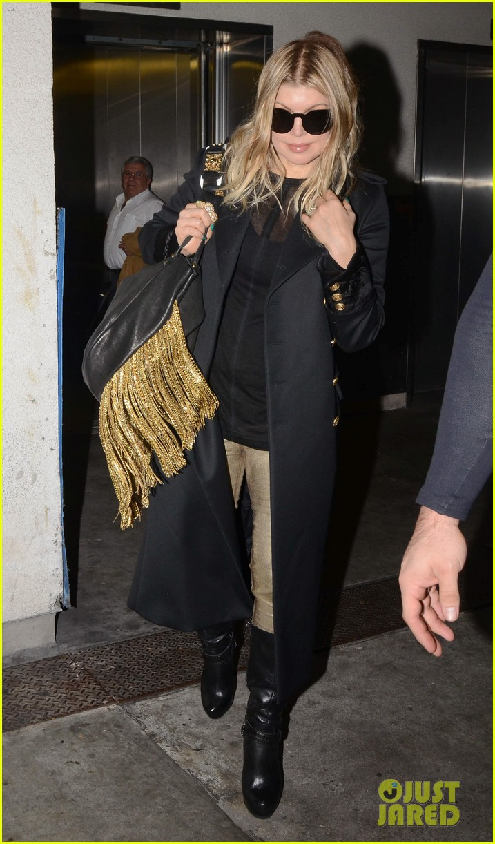 fergie pointy green nails at lax 162749804