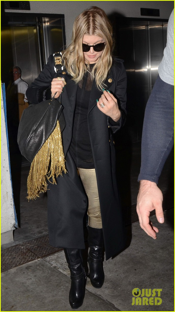 fergie pointy green nails at lax 172749805