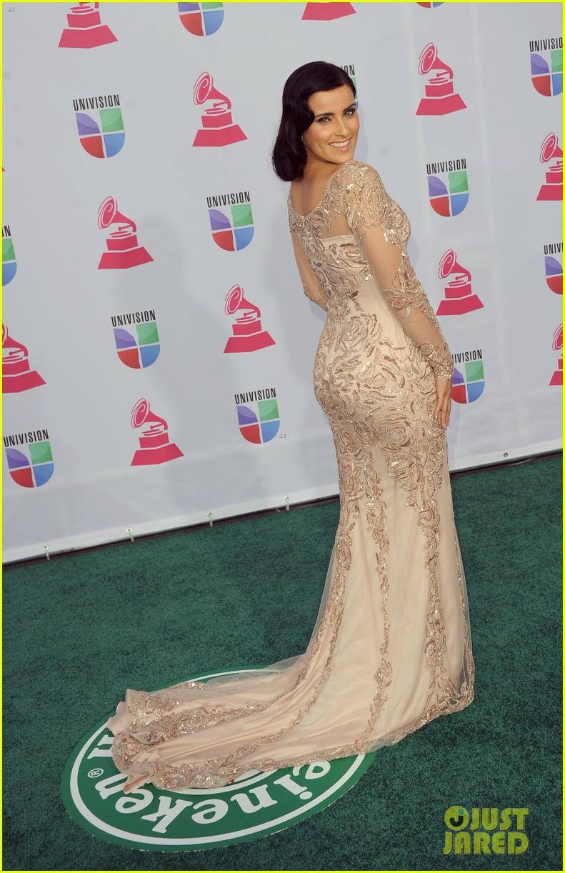 nelly furtado juanes latin grammy awards 2012 012758521