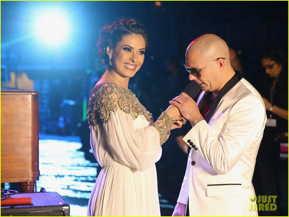 nelly furtado juanes latin grammy awards 2012 212758541