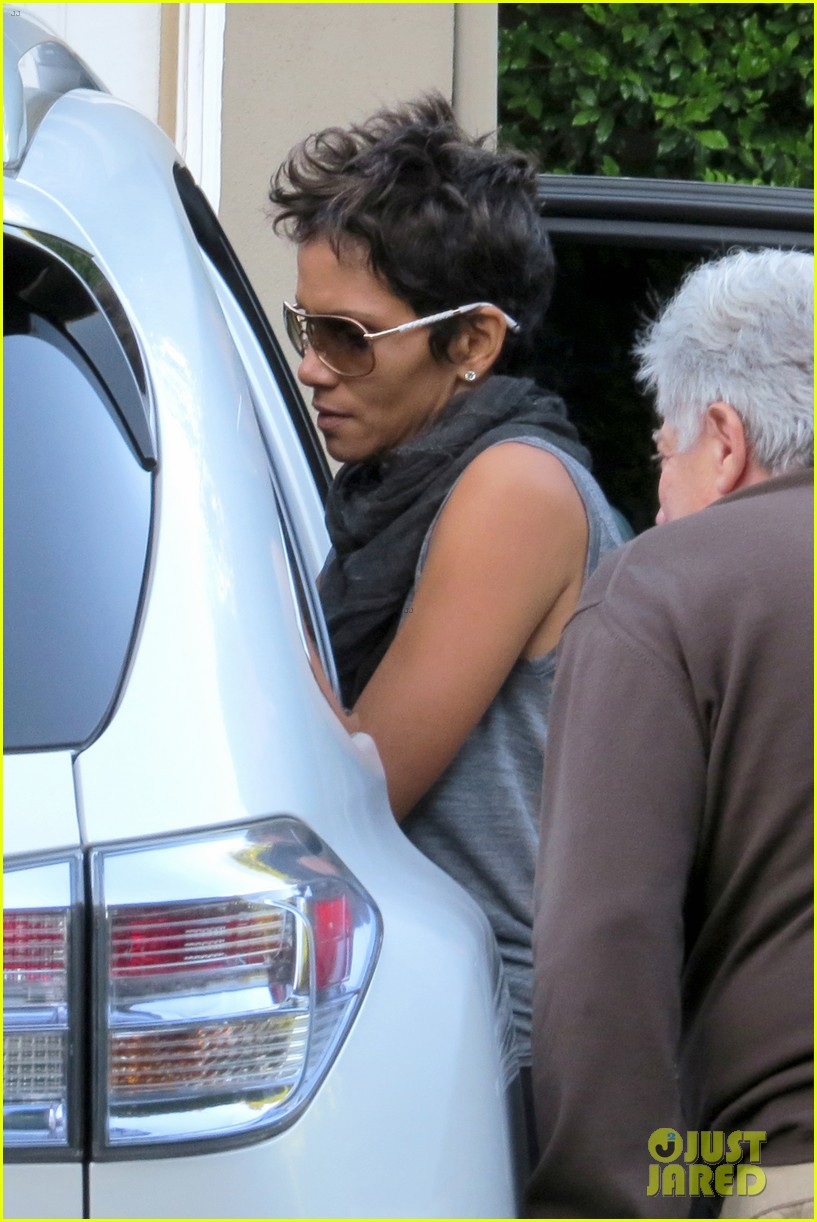 gabriel aubry arrested olivier martinez hospitalized halle berry 052762564