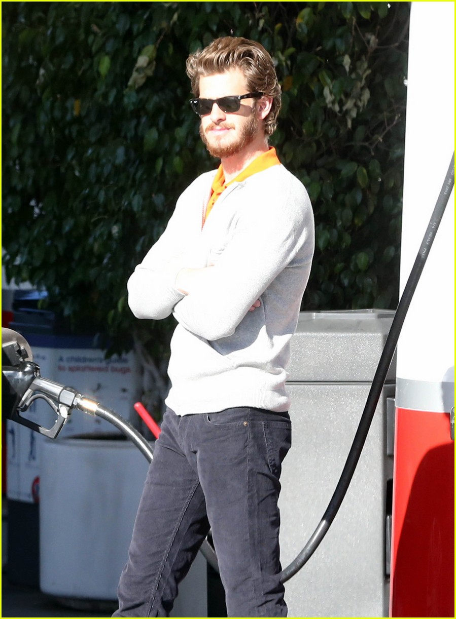 andrew garfield beard gas 022756138