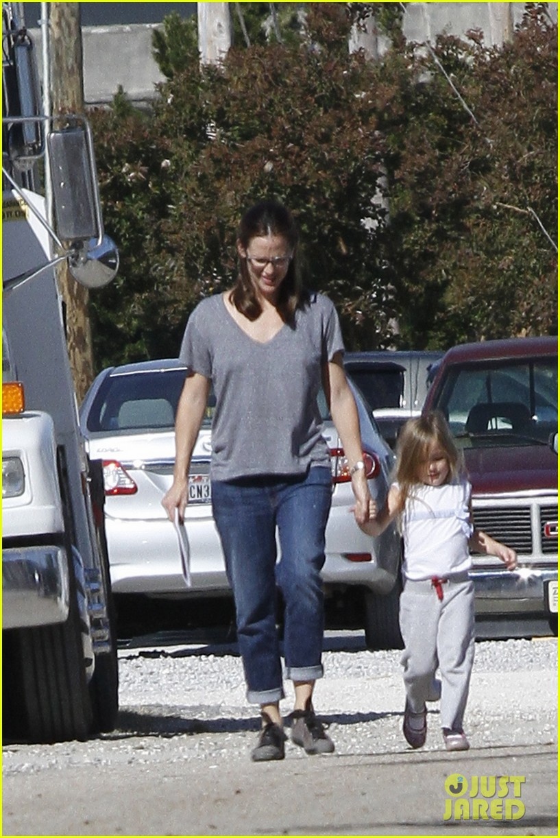 jennifer garner dallas buyers club break with seraphina samuel 012762028