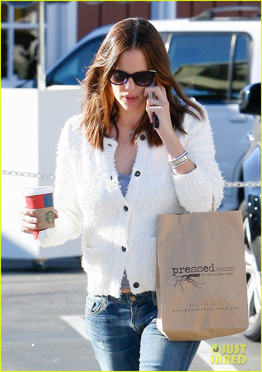 jennifer garner ice cream treat with violet seraphina 12