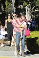 jennifer garner ice cream treat with violet seraphina 06