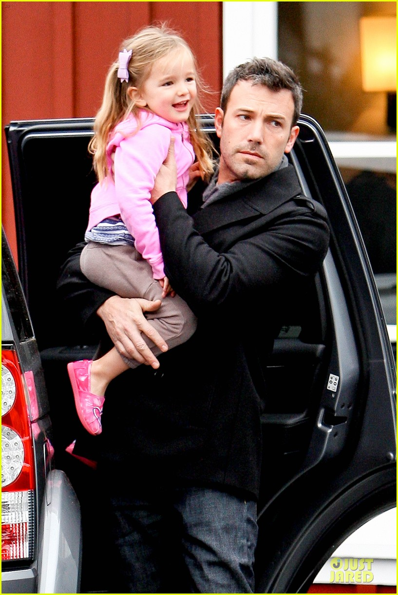 jennifer garner ben affleck kids karate class pick up 042759502
