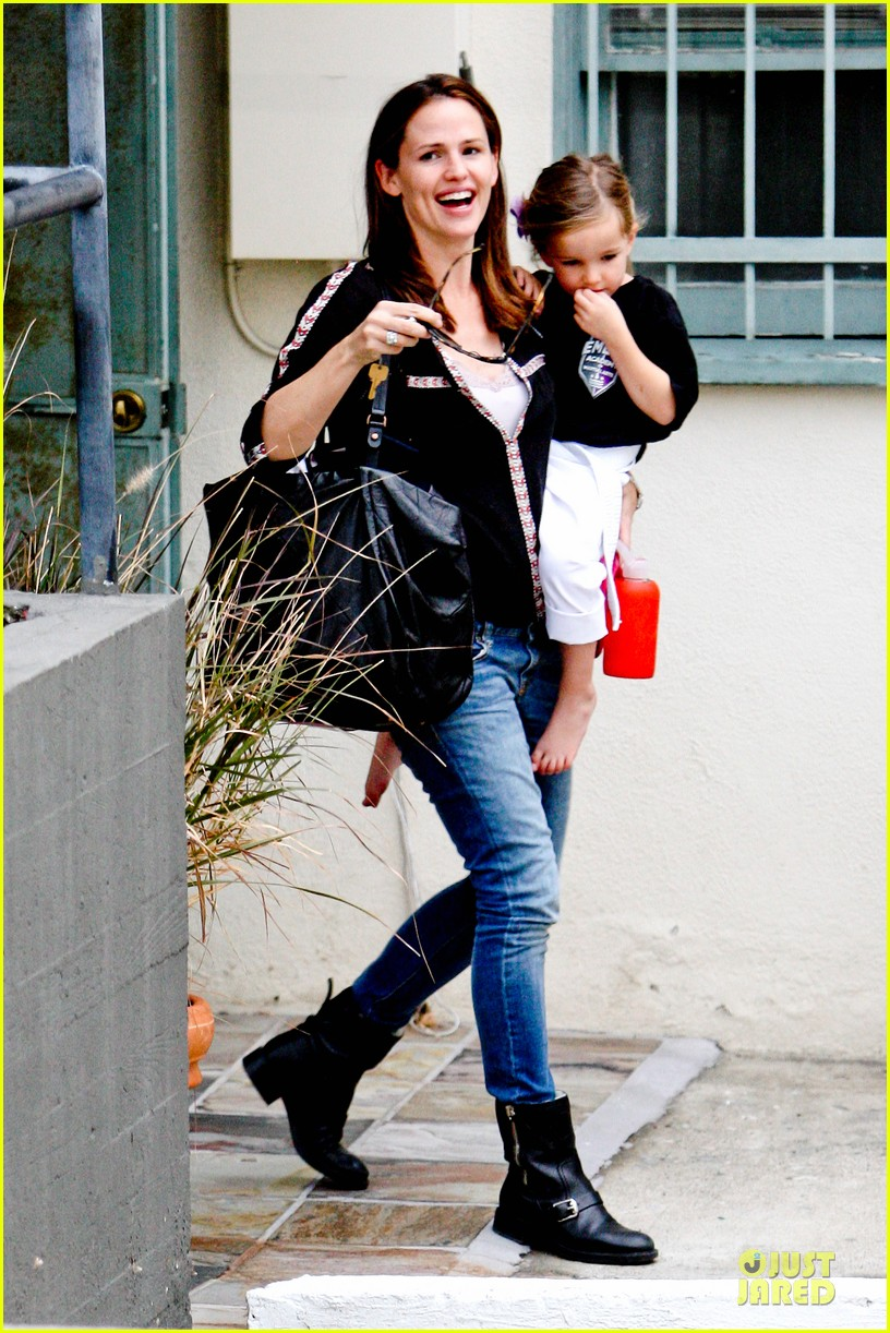 jennifer garner ben affleck kids karate class pick up 272759525