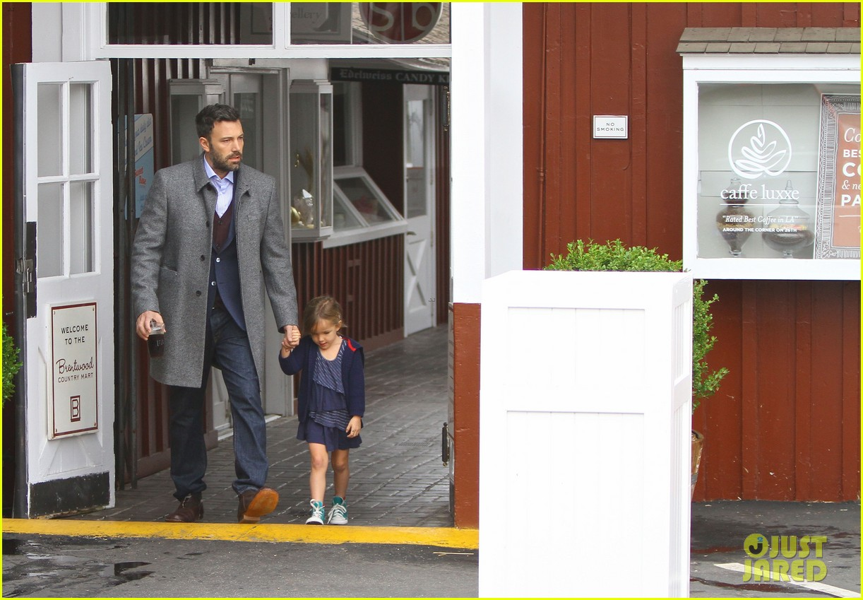jennifer garner ben affleck separate coffee outings 082752895