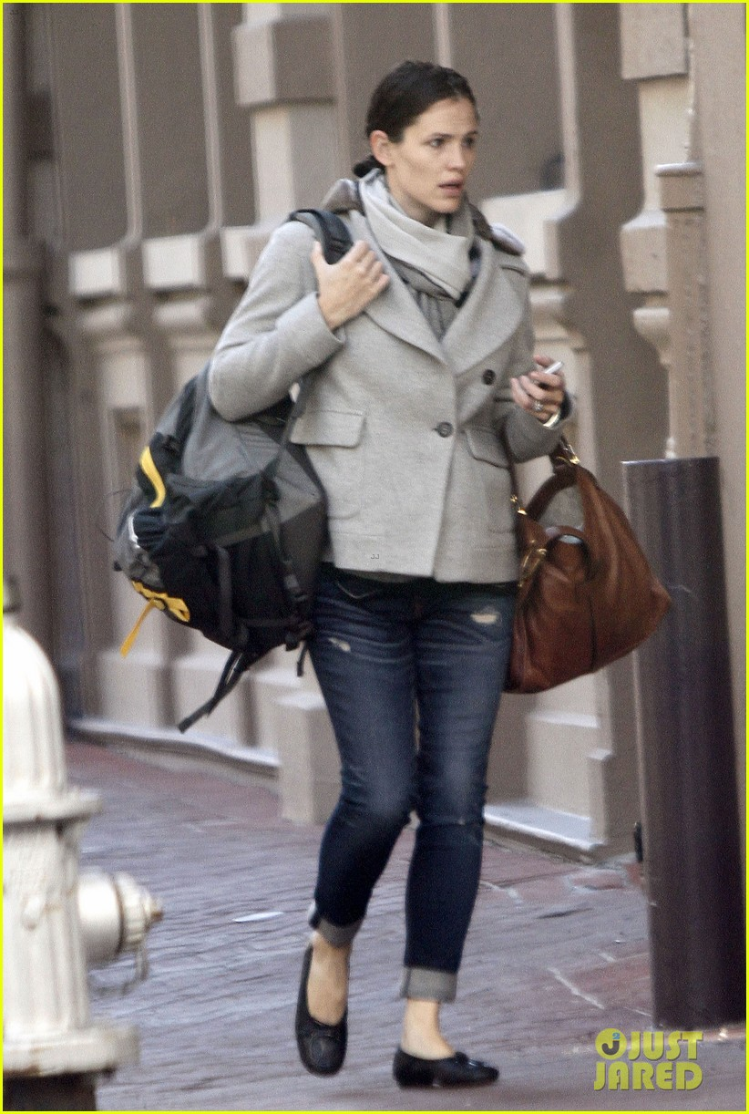 jennifer garner ben affleck separate coffee outings 152752902
