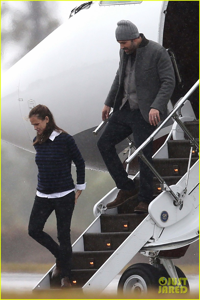 ben affleck visits jennifer garner kids new orleans 022764288