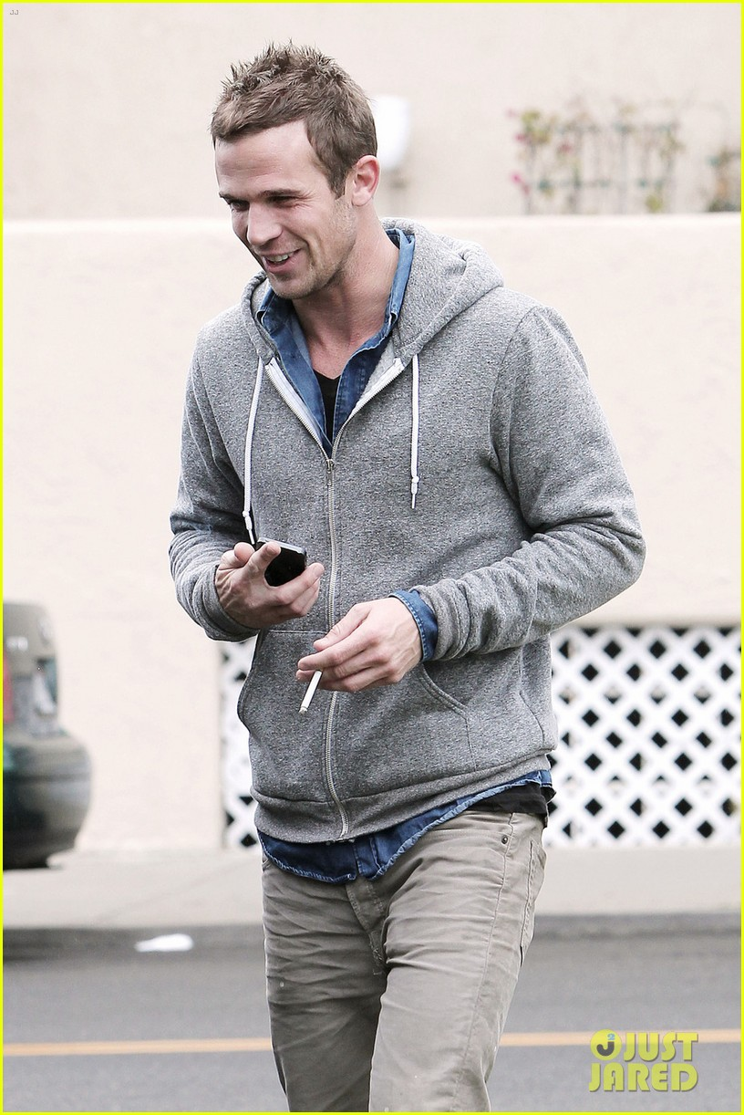 cam gigandet all smiles in santa monica 05