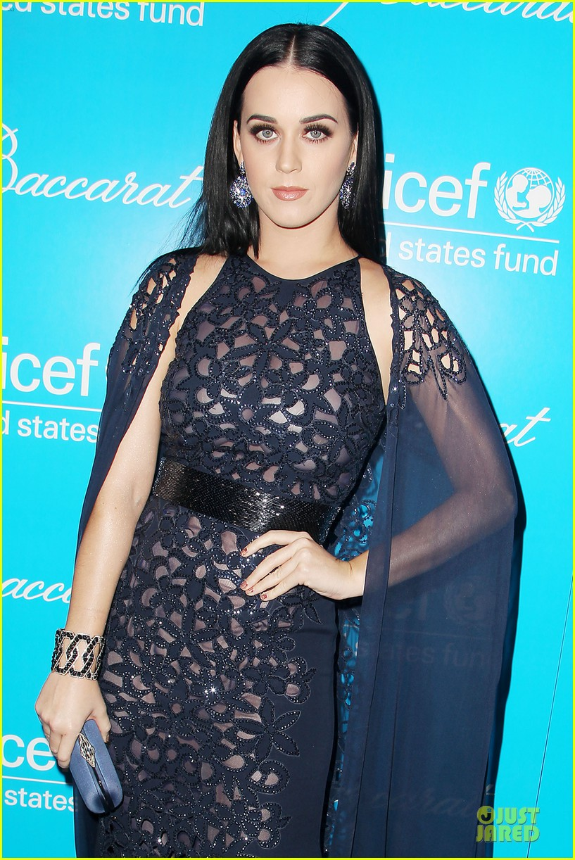 katy perry & selena gomez unicef snowflake ball 042764938