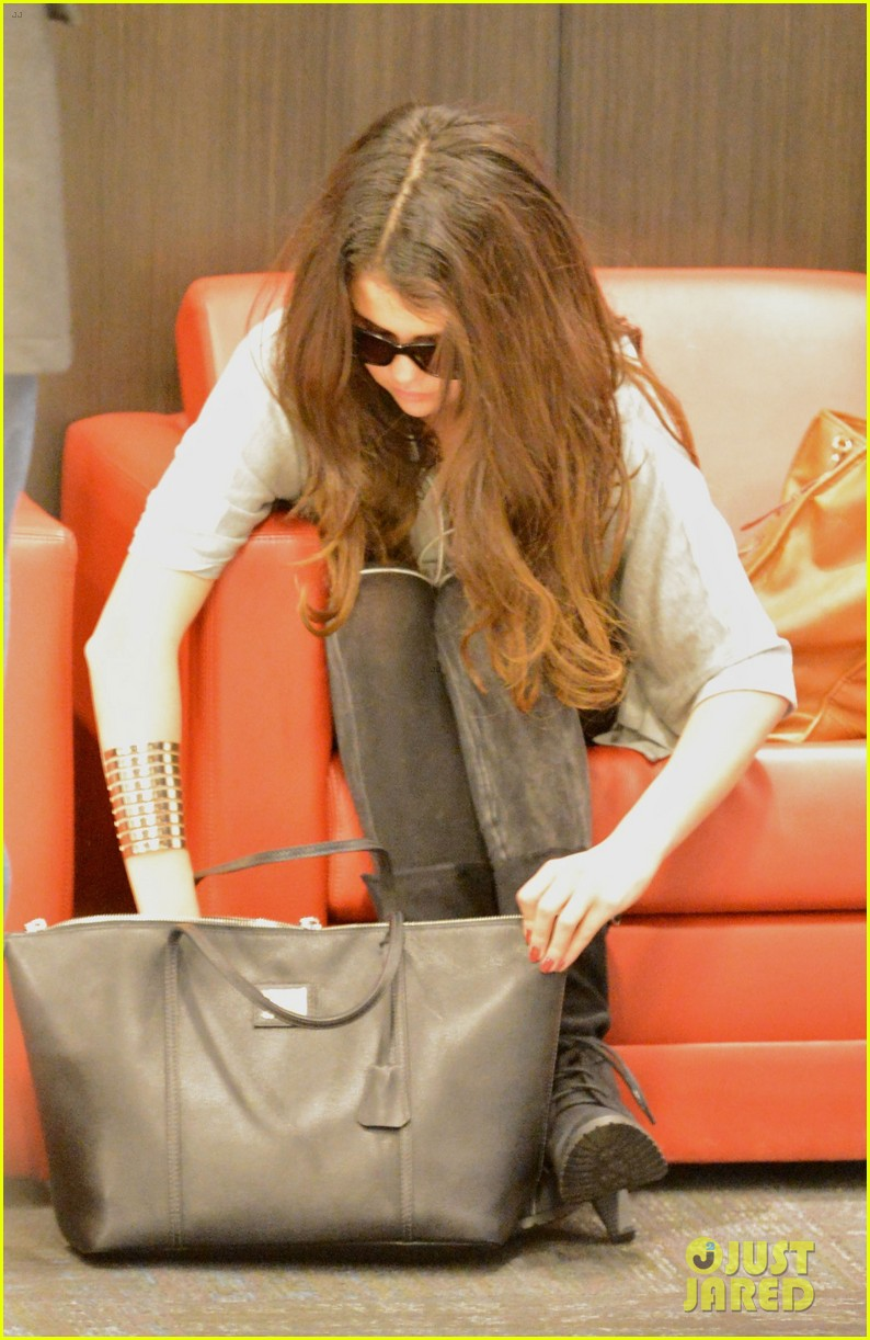 selena gomez flight post justin bieber split 042754922