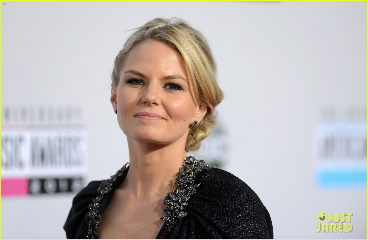 ginnifer goodwin jennifer morrison amas 2012 red carpet 112760293