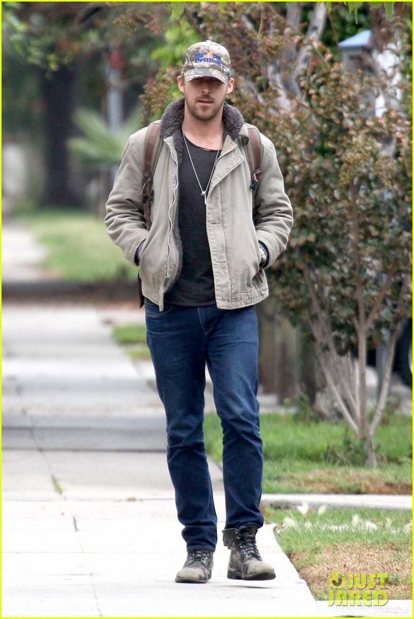 ryan gosling eva mendes visit friends separately 092766396