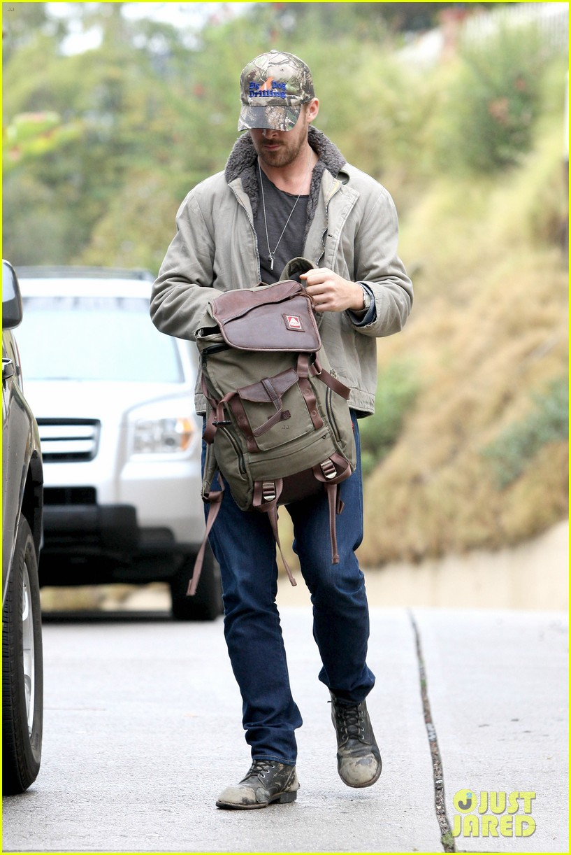 ryan gosling eva mendes visit friends separately 132766400