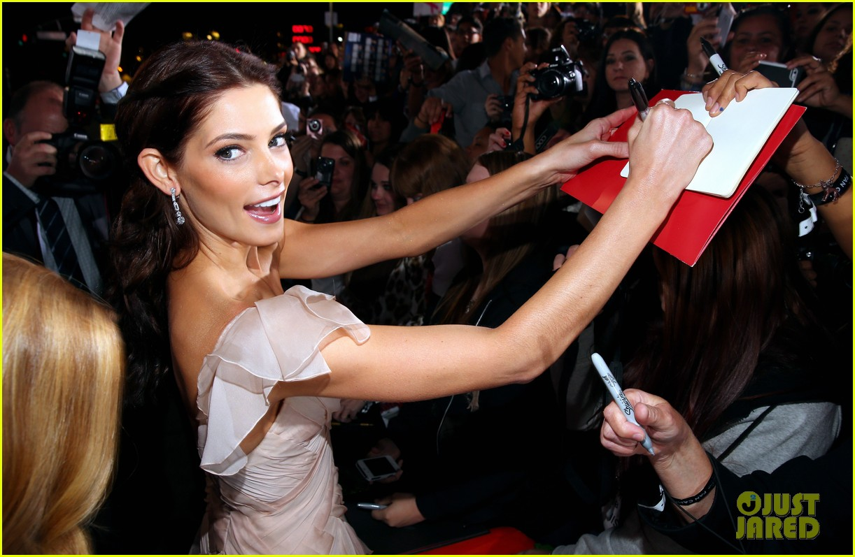 ashley greene twilight breaking dawn part 2 premiere 082756206