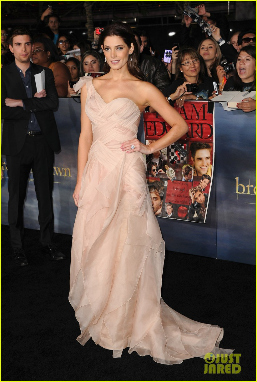 ashley greene twilight breaking dawn part 2 premiere 122756210