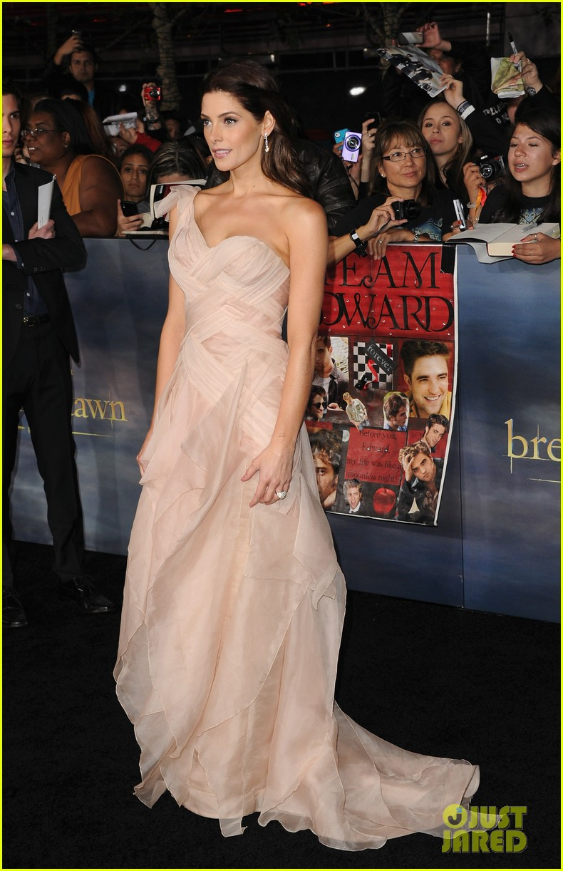 ashley greene twilight breaking dawn part 2 premiere 172756215