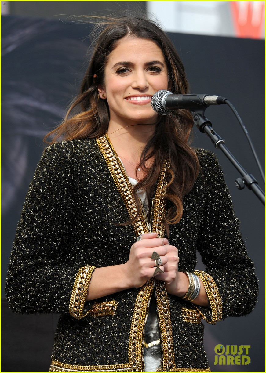 ashley greene nikki reed twilight fan camp concert 072755183
