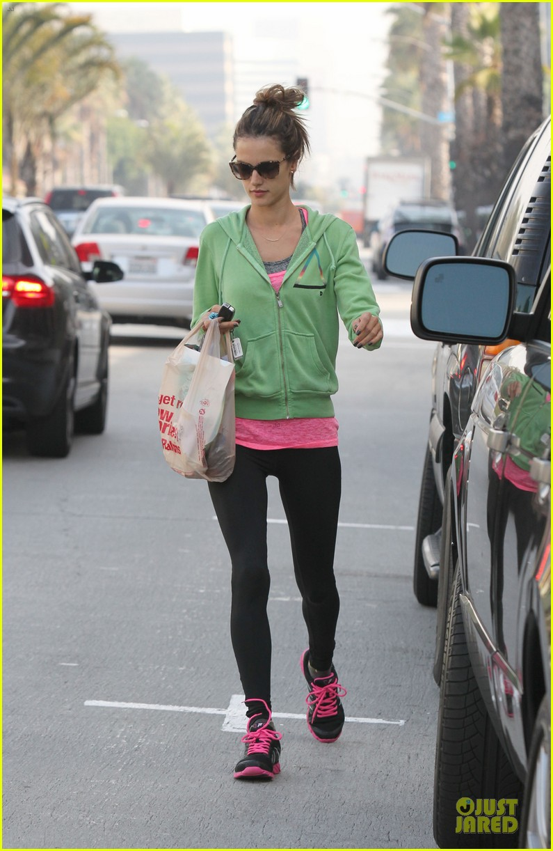 alessandra ambrosio grocery shopping with anja 072750470