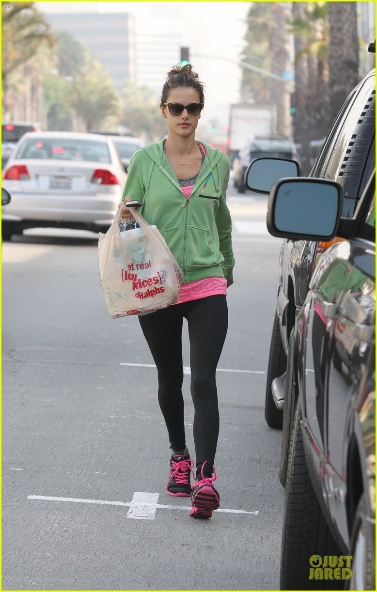 alessandra ambrosio grocery shopping with anja 082750471