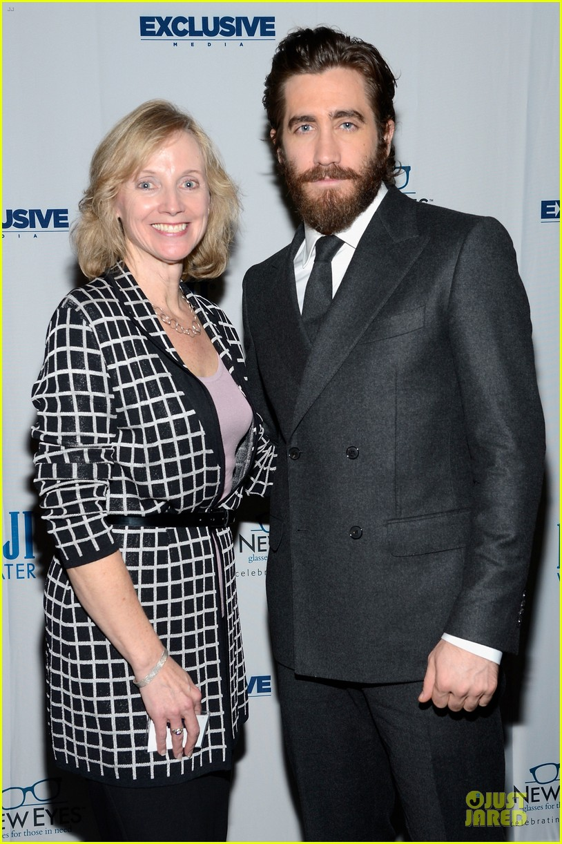 jake gyllenhaal new eyes for the needy gala honoree 032761168