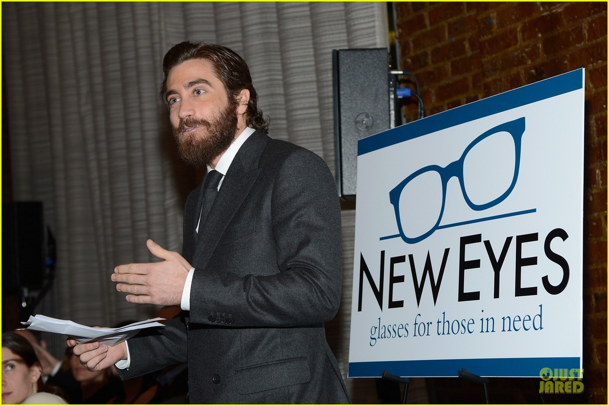 jake gyllenhaal new eyes for the needy gala honoree 082761173